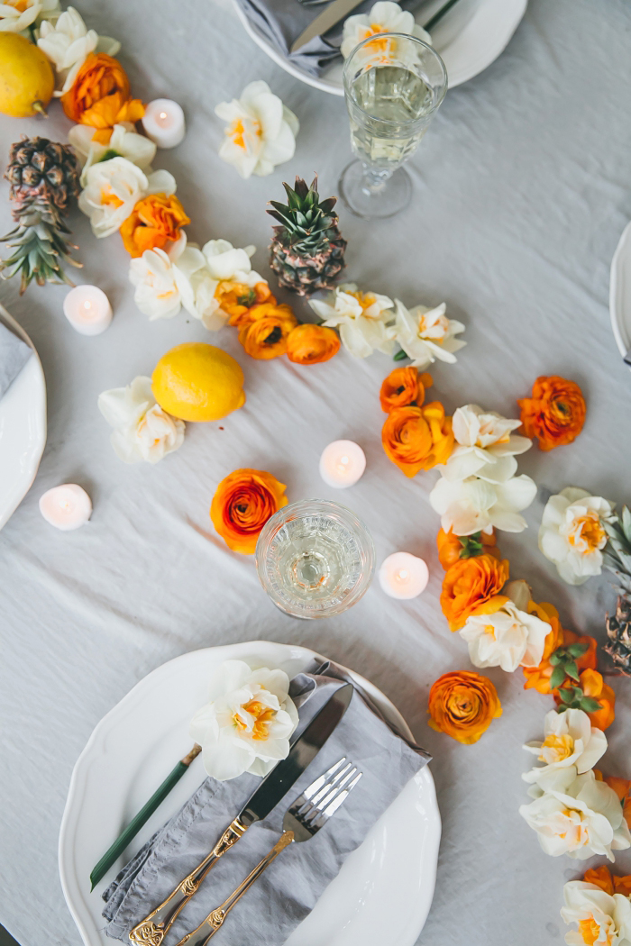 Addobbi tavoli matrimonio, ghirlanda con fiori, limoni sul tavolo