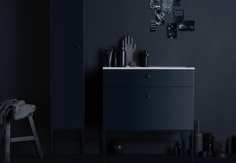 Bagni piccolo e un'idea di arredamento con mobile lavabo di colore nero e armadietto