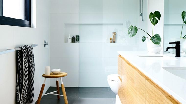 Come arredare un bagno, mobile in legno con lavabo da incasso, box doccia con porta di vetro