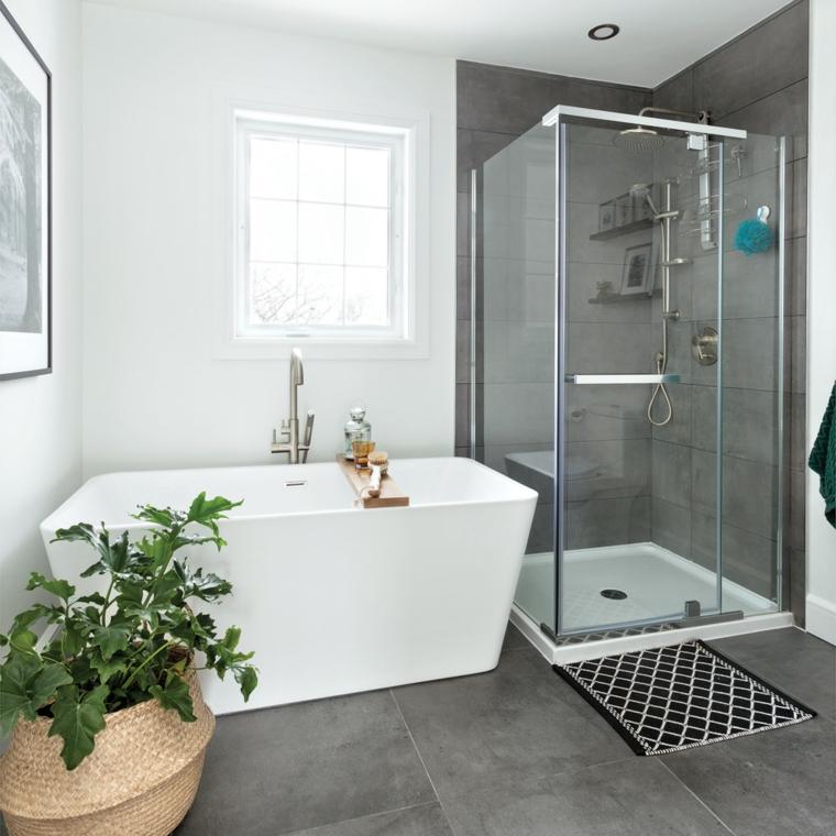 Bagni moderni con doccia, sala da bagno con vasca e box doccia in vetro