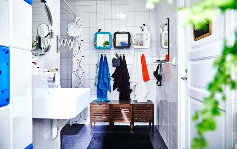 Piastrelle bagno moderno, bagno con piastrelle di colore bianco e lavandino sospeso