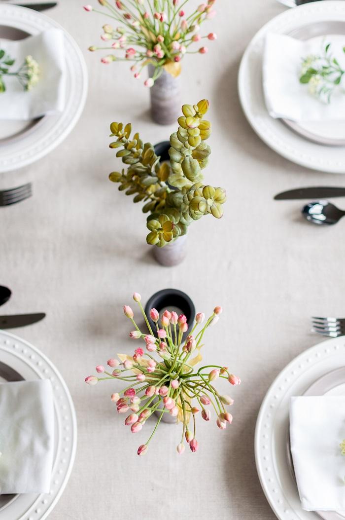 Addobbi tavoli matrimonio, centrotavola con vasi, tavola apparecchiata