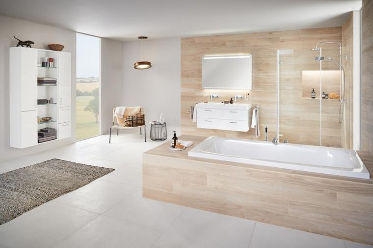 Bagni moderni e un'idea con vasca rivestita di legno, pavimento con piastrelle di colore bianco
