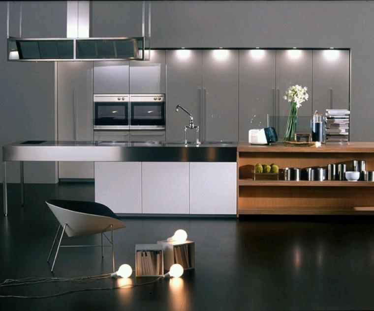 idea per arredare cucine moderne con una grande e funzionale isola con lavello, ripiani e tavolo