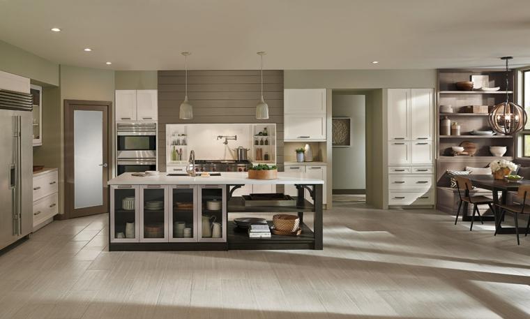 idea di arredamento cucina moderna nei toni del tortora chiaro, isola centrale attrezzata e tavolo da pranzo
