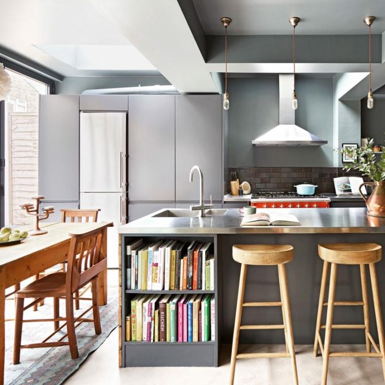 idea per open space arredamento della cucina con isola con lavabo e libreria nella parte bassa
