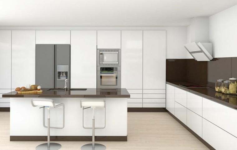 cucina moderna bianca laccata con top e paraschizzi nero, isola con lavello e sgabelli