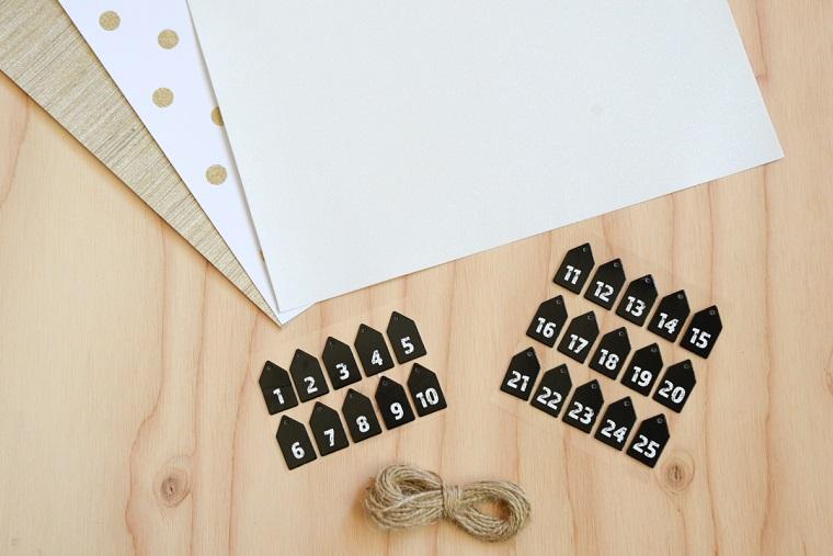 Stickers da appendere con i giorni del mese, lavoretti per bambini facili con fogli di carta