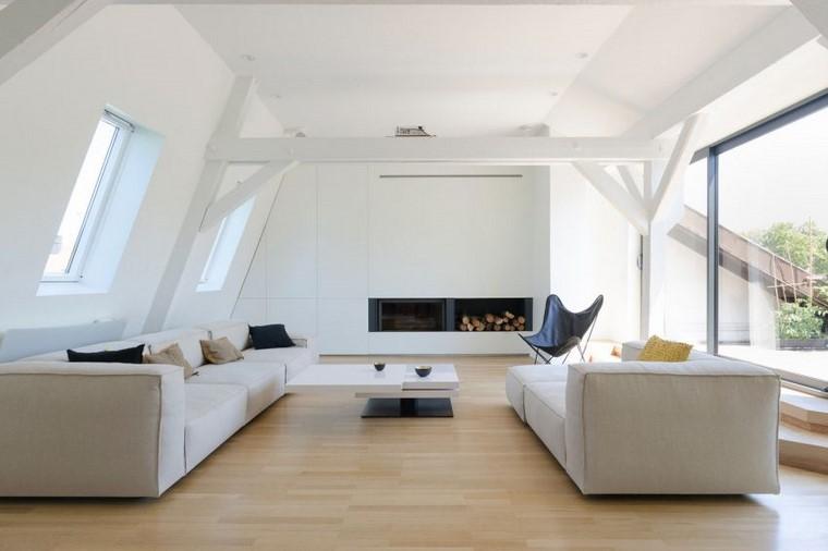 Parete attrezzata cartongesso di colore bianco con tv nascosta e camino moderno