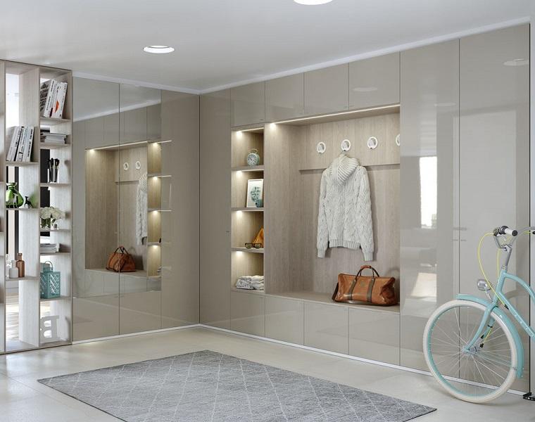 ingresso casa moderno mobili color tortora abbinamenti pavimento in piastrelle con tappeto