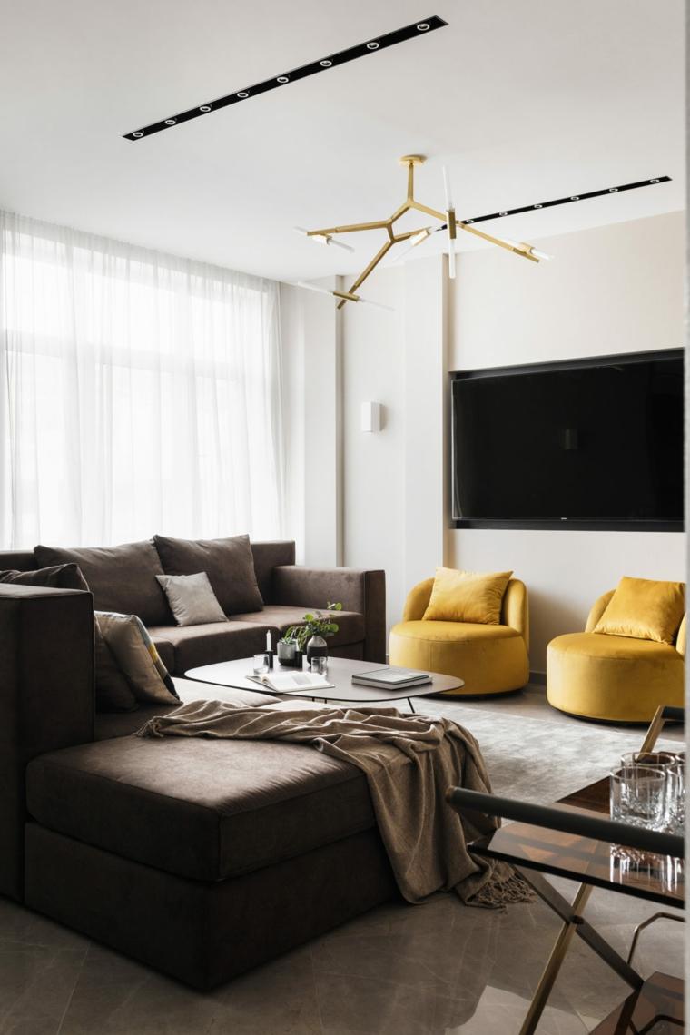 Soggiorni moderni e un arredamento semplice con due divani e un tavolino