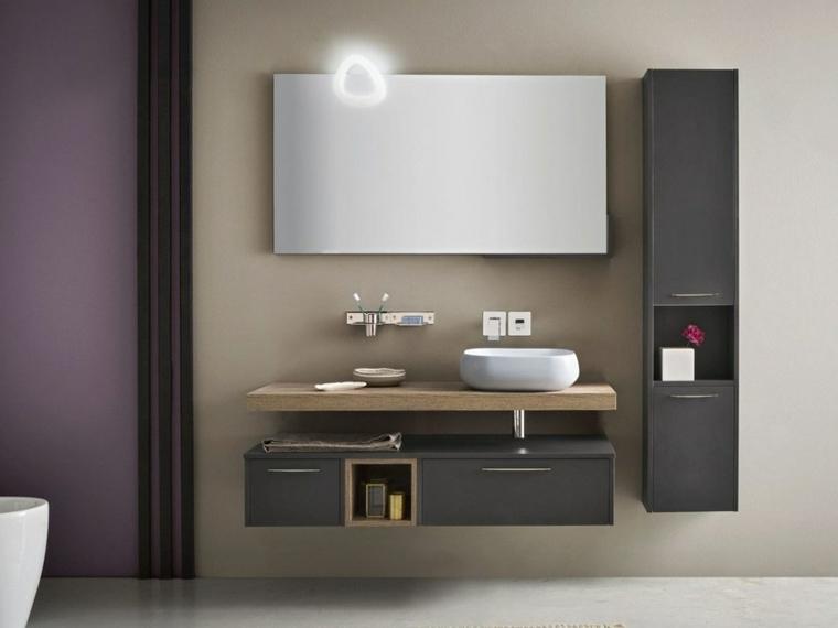 Rivestimenti bagni moderni immagini, mobile con superficie in legno e lavabo in appoggio
