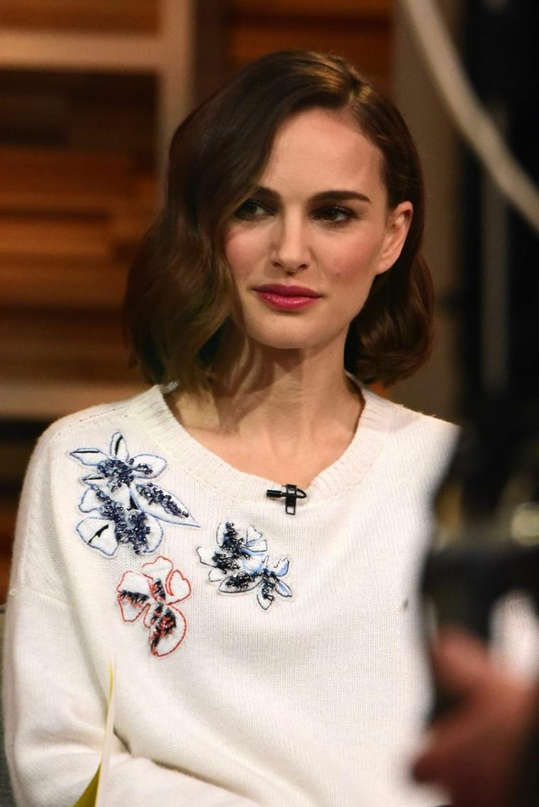 Tagli capelli corti immagini e Natalie Portman con un'acconciatura a caschetto mosso