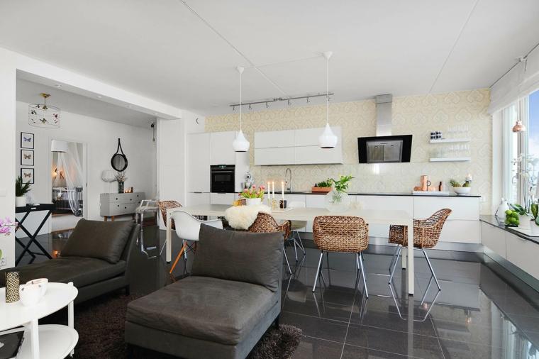 come arredare cucina salotto open space con mobili della cucina bianchi, poltrone e pavimento grigi