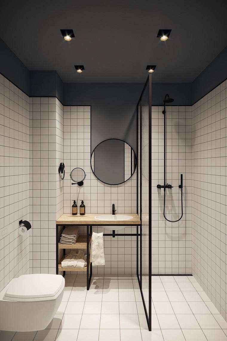 Bagni moderni con doccia, sala da bagno con box doccia, piastrelle di colore bianco