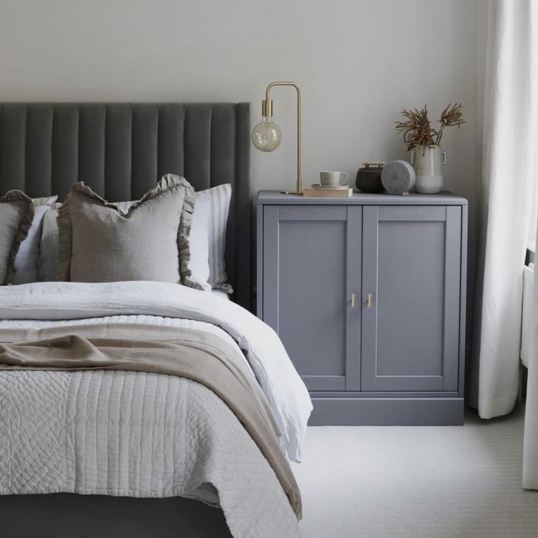 pittura camera da letto tortora mobile di legno colore grigio tende abbinate alla biancheria