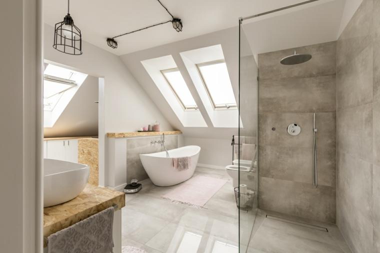 Sala da bagno con box doccia e vasca, piastrelle bagno moderno