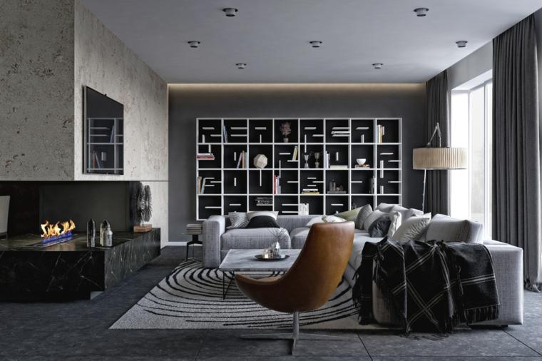 Parete attrezzata moderna con scaffali e mensole particolari di colore bianco, salotto don divano e camino