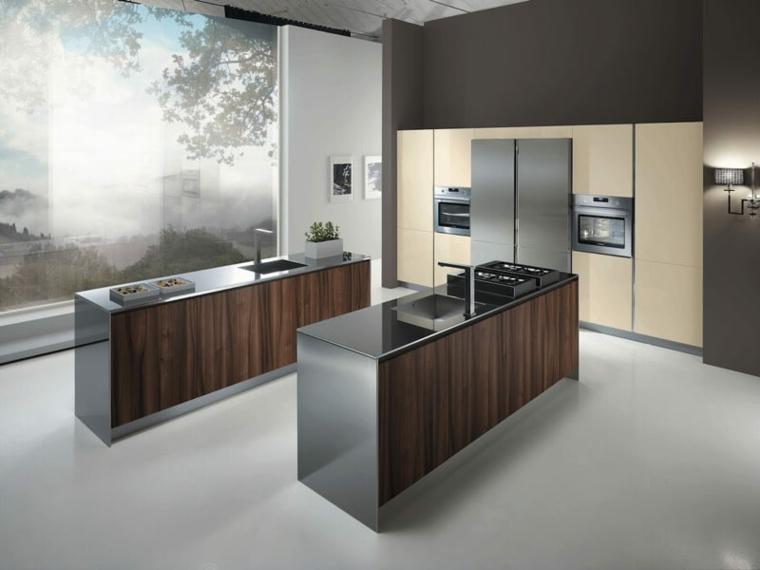 cucina moderna dallo stile essenziale con una doppia isola e una parete con incassati gli elettrodomestici