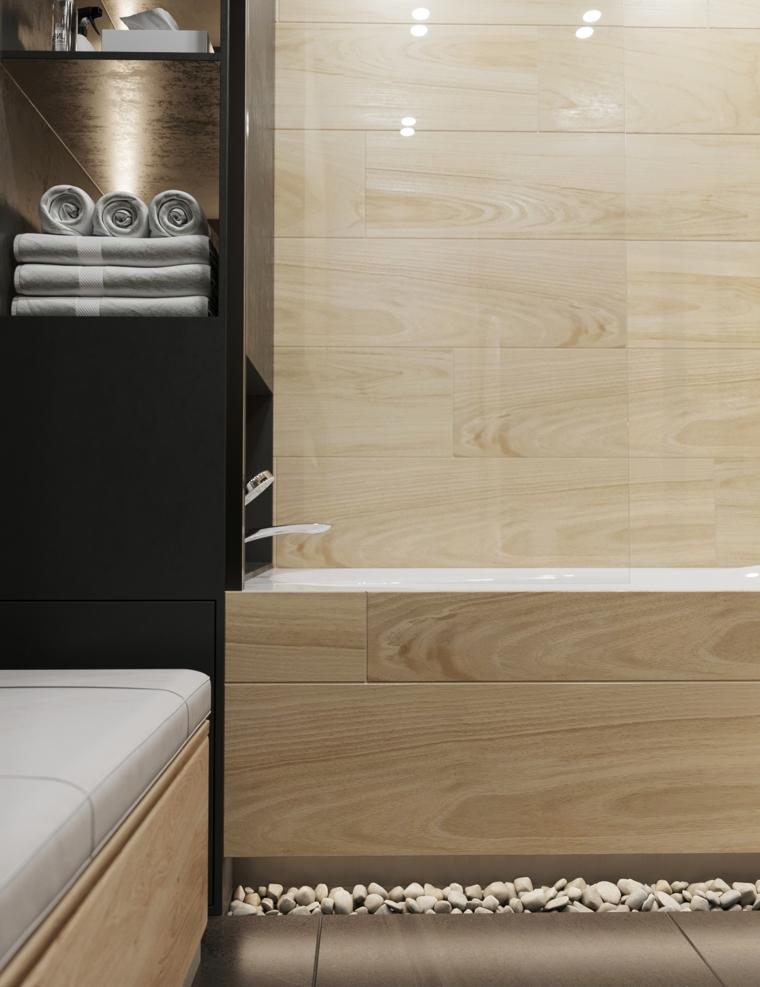 Vasca con piastrelle bagni moderni effetto legno, nicchie per disporre gli asciugamani