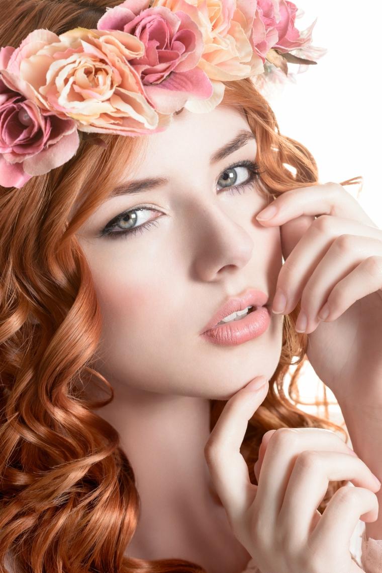 romantico trucco matrimonio sposa con capelli rossi e occhi azzurro verdi con rossetto color albicocca