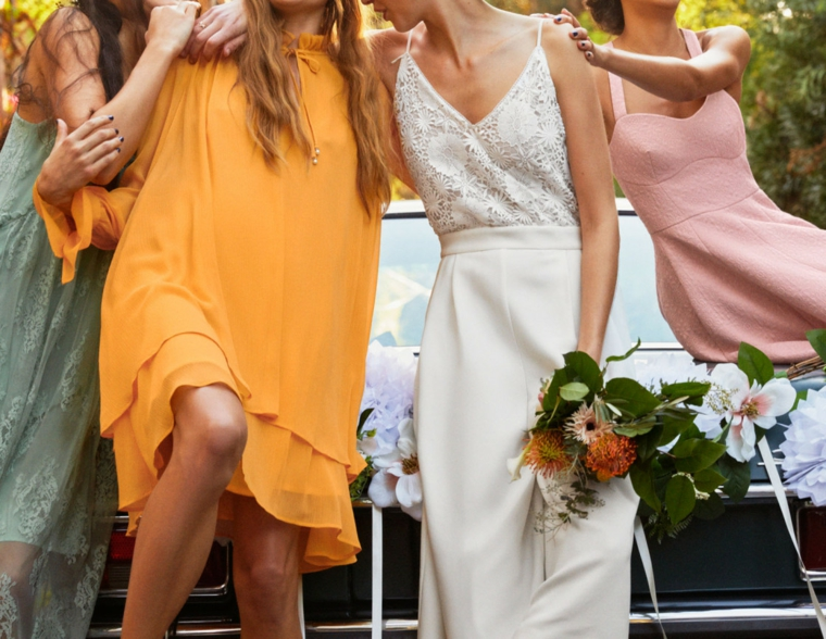 Vestito invitata matrimonio, idee con abiti fluidi di diverso colore e tessuti