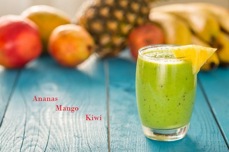 Smoothie ricette con ananas, mango e kiwi per un frullato in bicchiere