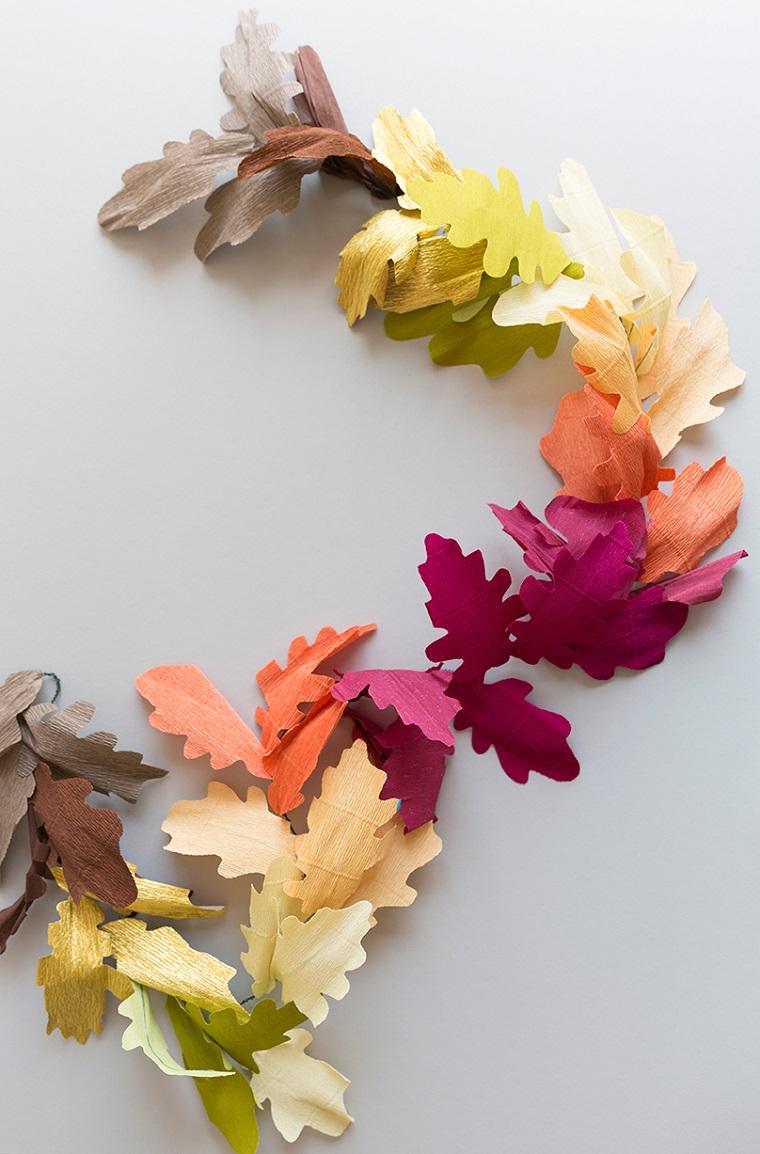 Ghirlanda di foglie autunnali secche, lavoretti per bambini facili per decorare la casa