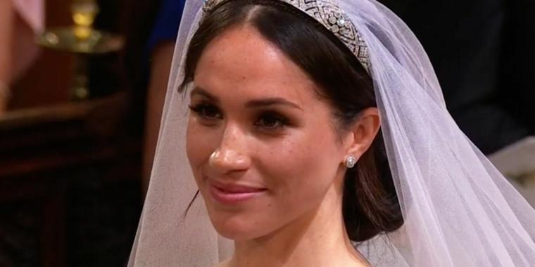 romantica immagine di meghan markle nel giorno delle sue nozze, idea trucco sposa leggero