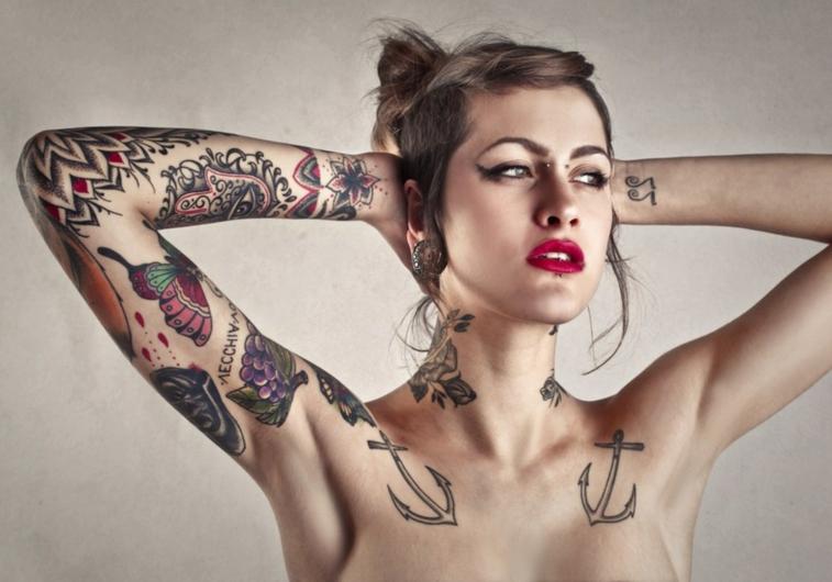 tanti disegni per realizzare dei tatuaggi piccoli femminili, ancore, farfalle note miusicali