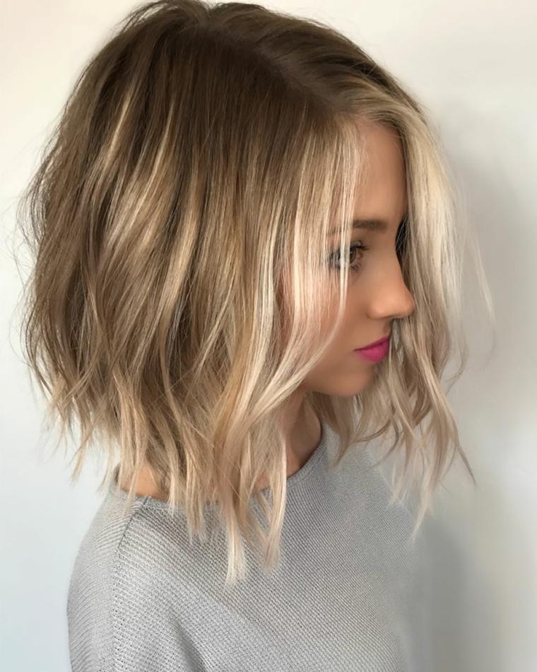 Tagli capelli biondi e ricci