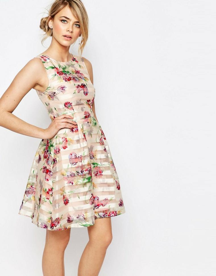 Vestiti per cerimonia donna con lunghezza sopra il ginocchio e con motivi floreali
