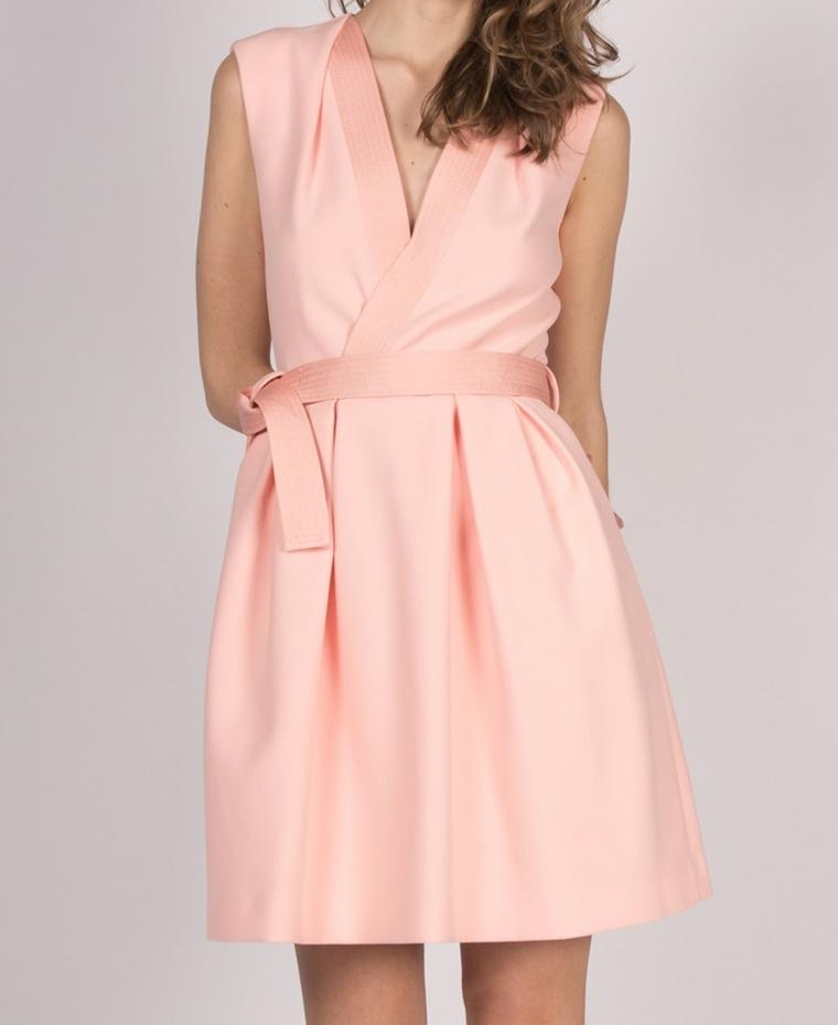 Vestito matrimonio invitata di colore rosa con cintura e scollatura a V