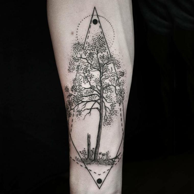 Idee per dei tatuaggi tutto il braccio con un albero e forme geometriche