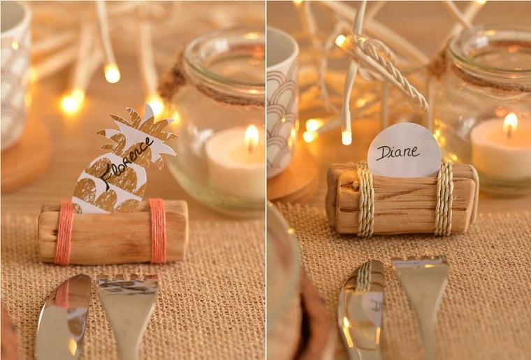 Idee segnaposto matrimonio con dei pezzettini di legno e bigliettini fissati