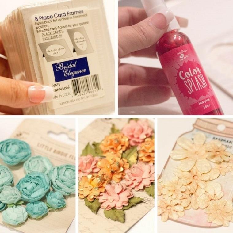 Occorrente per fare dei segnaposto economici con fiori finti, spray colorato e cartoline