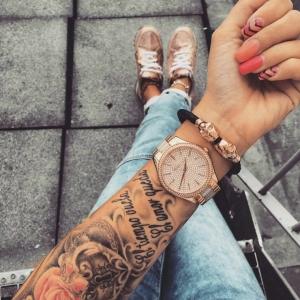 Tatuaggio braccio: 3 motivi per i quali vale la pena farne uno e tanti disegni a cui ispirasi