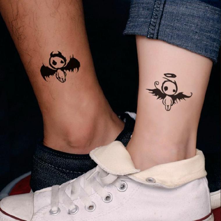 Tatuaggio caviglia uomo e donna, disegni semplici di due figurine