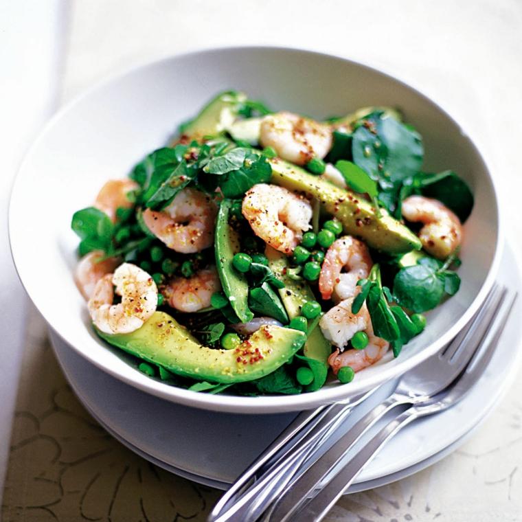 Dieta senza carboidrati e zuccheri e una proposta con avocado, piselli e scampi
