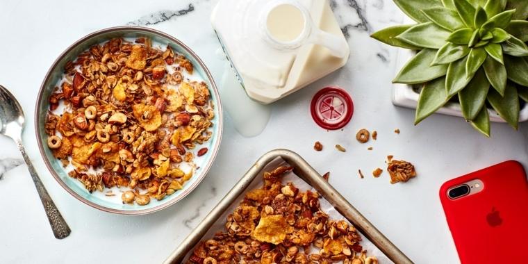 Alimenti che non contengono carboidrati e un'idea per la colazione con latte magro e cereali