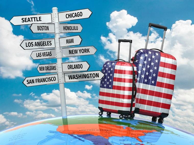 Viaggi organizzati Stati Uniti e tabelle segnaletiche con le città più famose