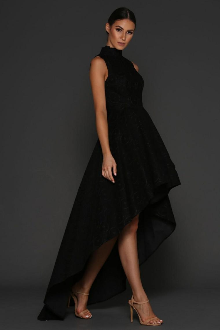 9bc628aa81e8 Vestiti lunghi eleganti e una proposta con abito asimmetrico di colore nero Abiti  da cerimonia lunghi  tutte le novità della moda in più di 100 foto!
