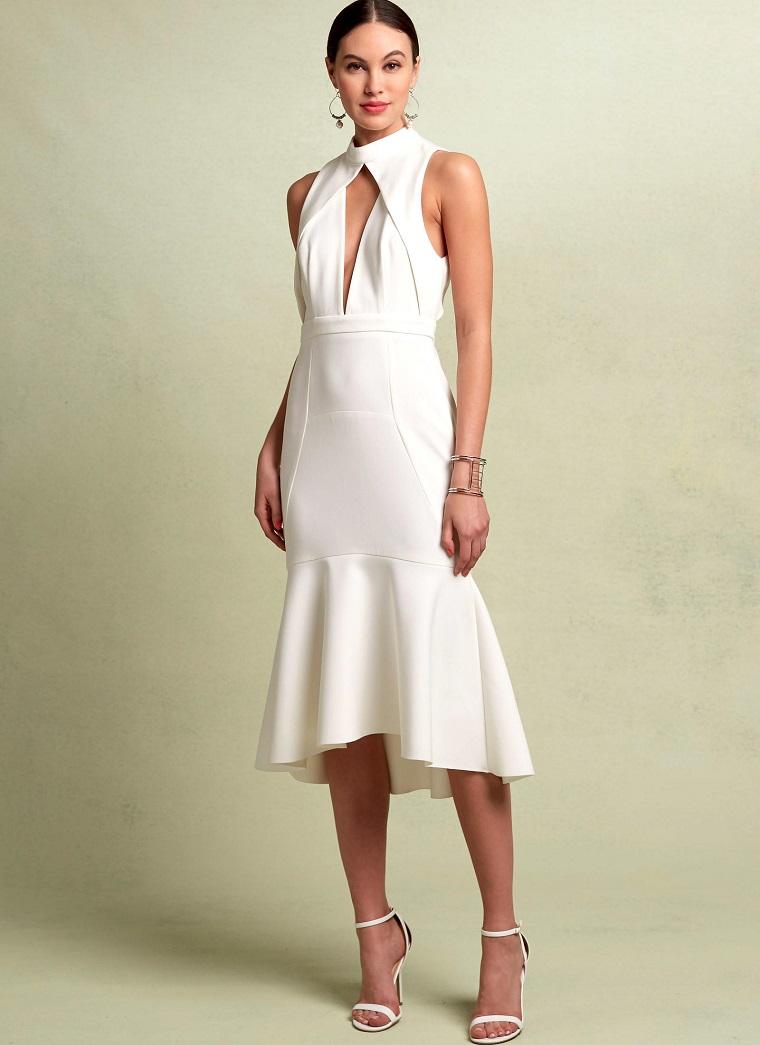 Abiti eleganti economici e una proposta con un vestito bianco con parte sotto a ruota