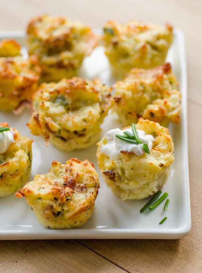 Bocconcini di pure di patate con salsa bianca ed erba cipollina