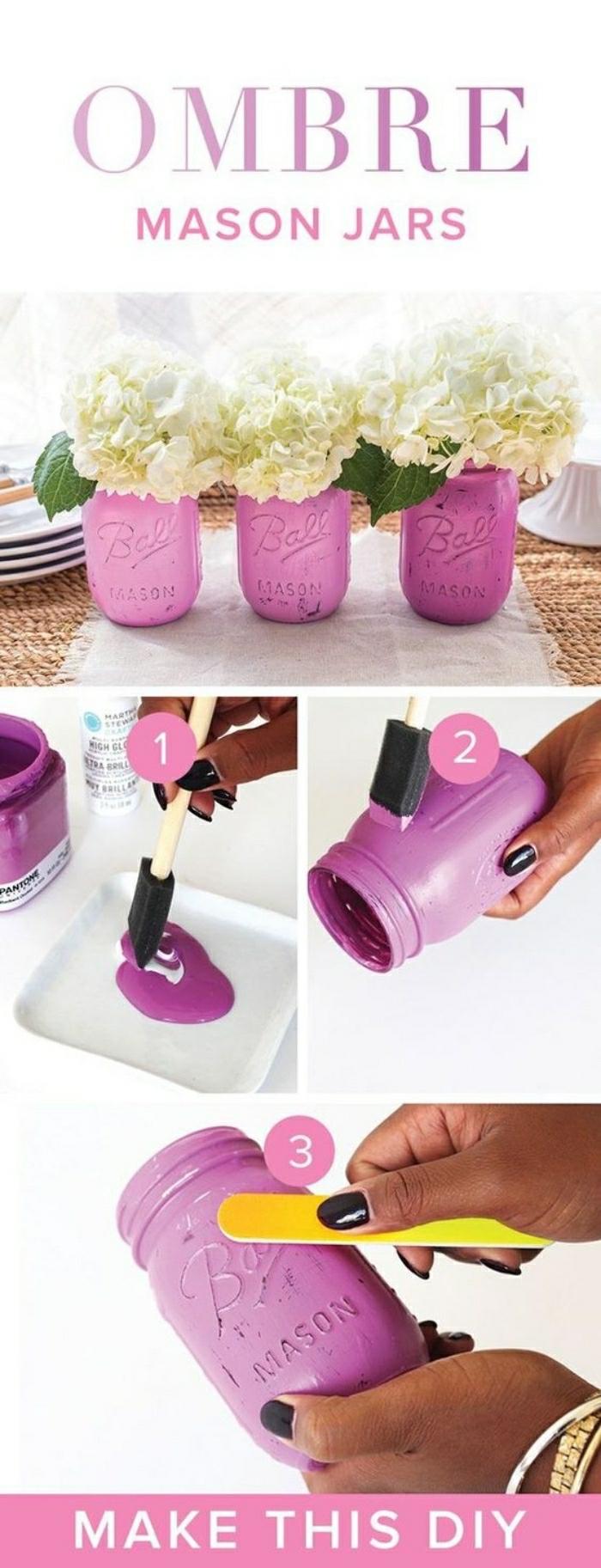 Idee lavoro artigianale con dei barattoli di vetro verniciati di colore rosa e utilizzati come vasi per fiori