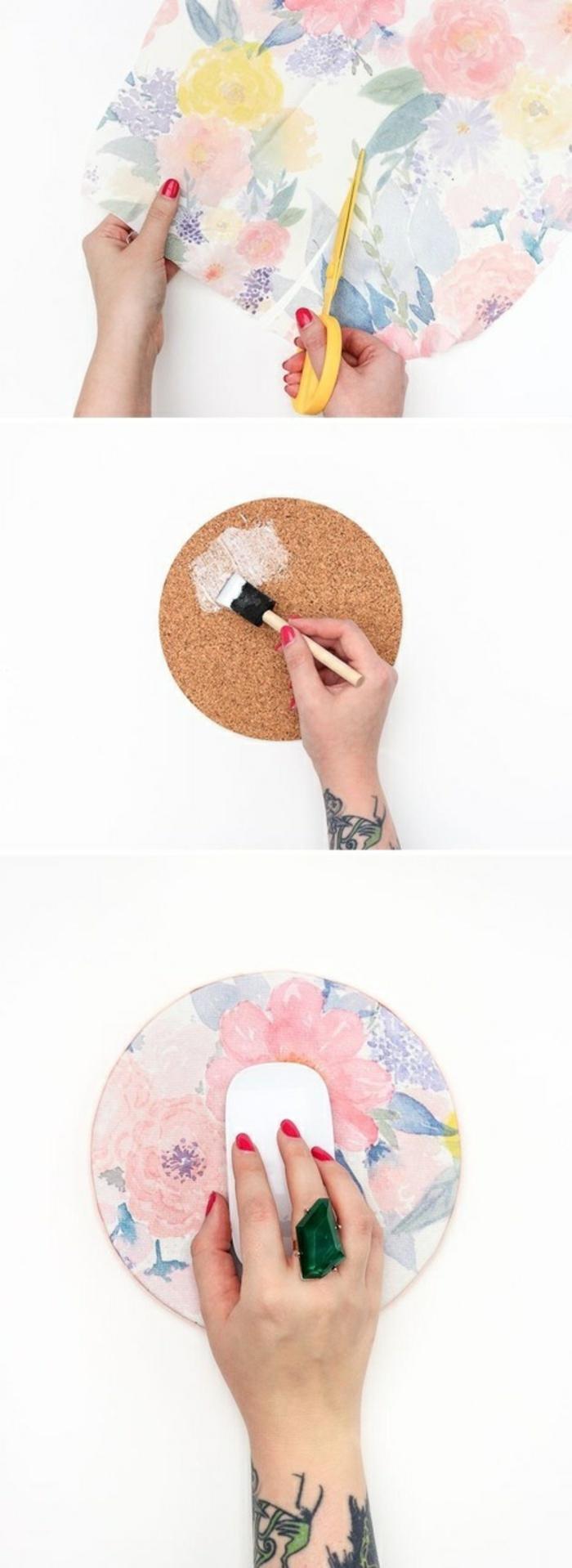 Base per mousse con un cerchio di sughero ricoperto con della carta adesiva colorata