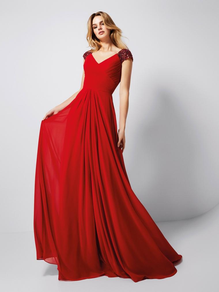 4e1b1ae50ba8 Abiti da cerimonia economici e una proposta con un vestito rosso plissettato