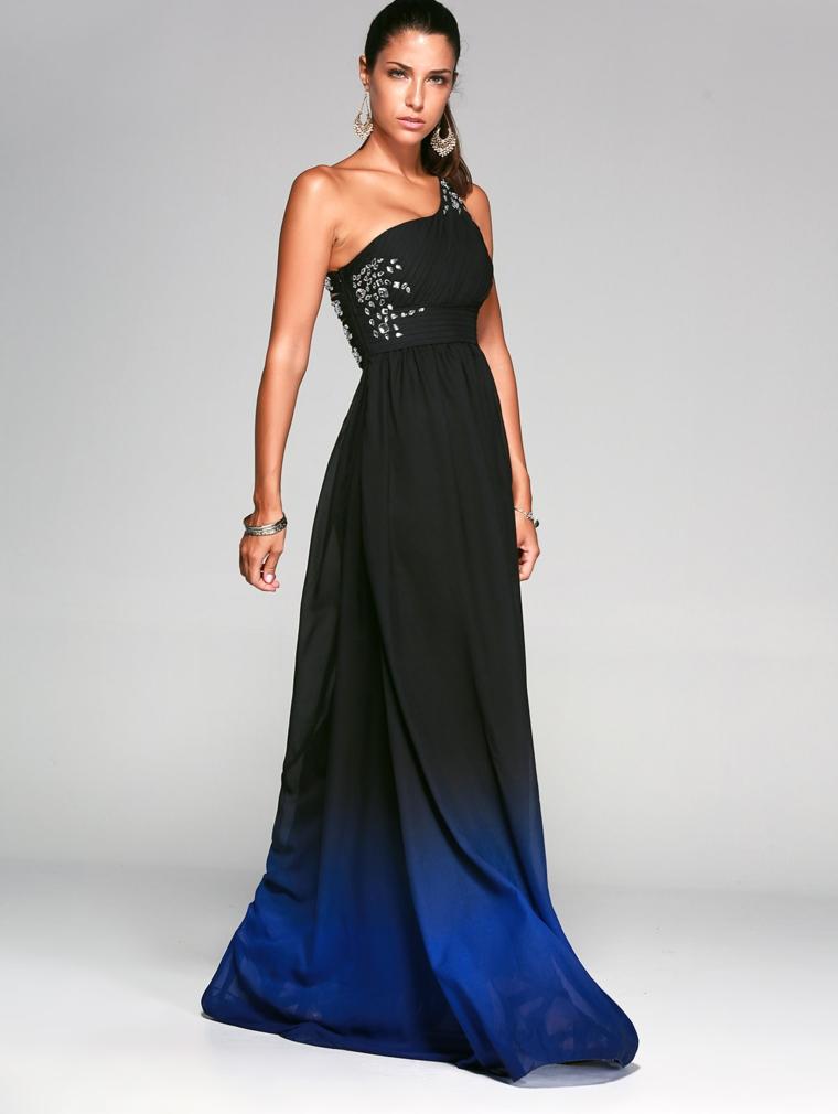 Abiti eleganti economici e un'idea con vestito nero e brillantini sul bustino