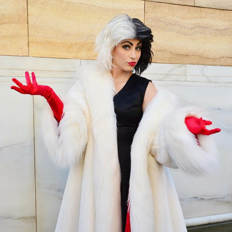 Idea per un costume originale per Halloween per assomigliare a Cruella de Vil