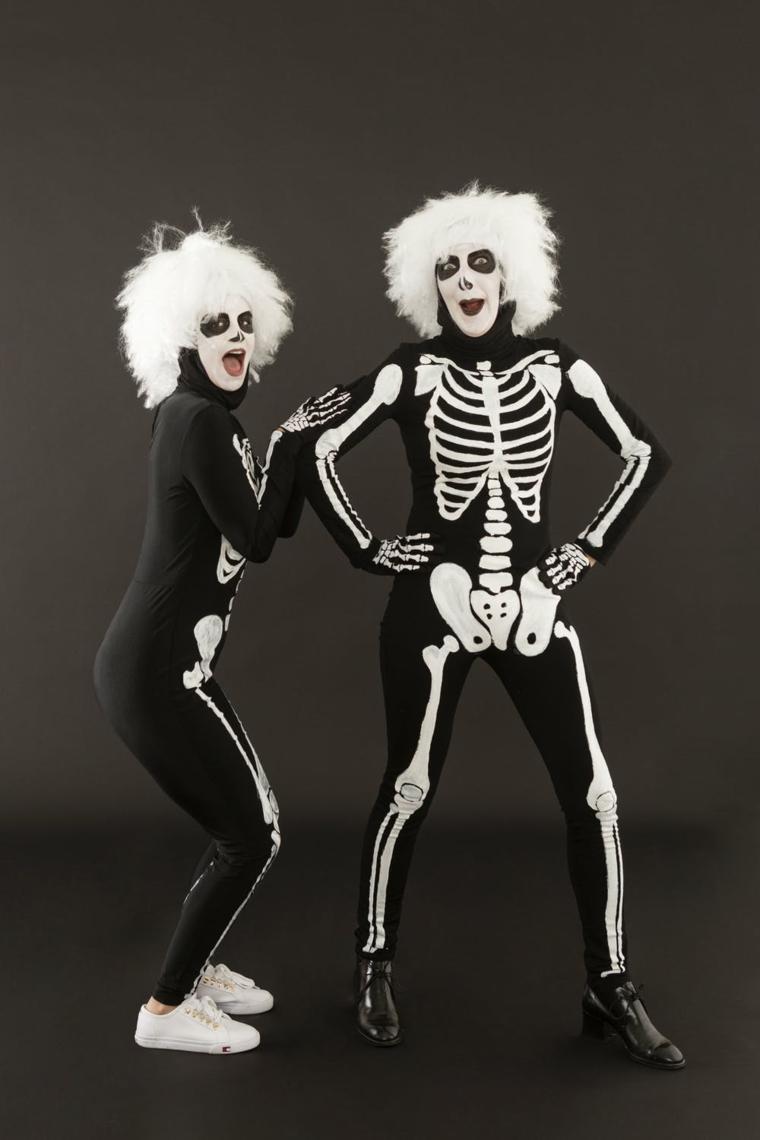 Costumi Halloween bambina, un'idea di abbigliamento con costumi di scheletro